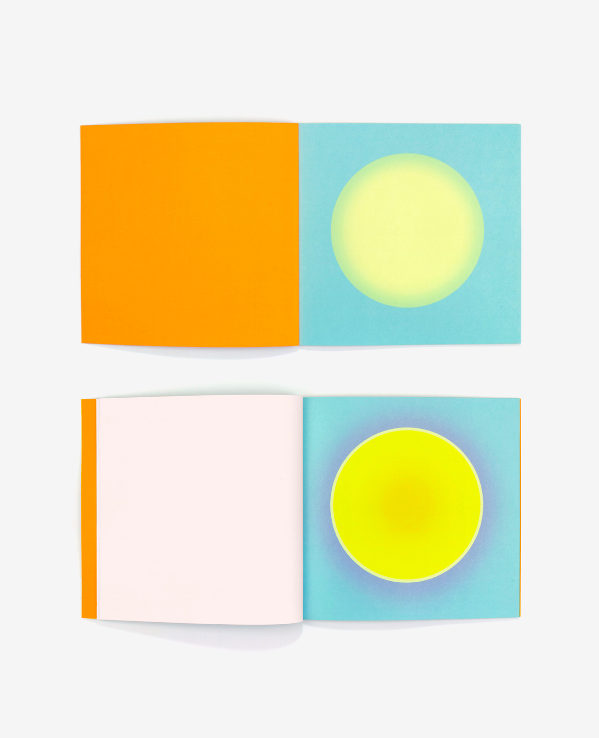 Yellow morning suns from the book Au soleil by Fanette Mellier and published by Éditions du livre