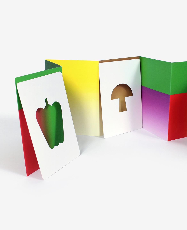 Poivron et champignon dans le livre-jeu Hello tomato