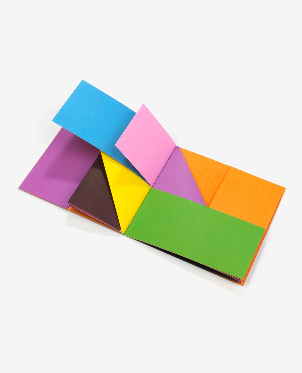 General view of the book Colors by Antonio Ladrillo published by Éditions du livre