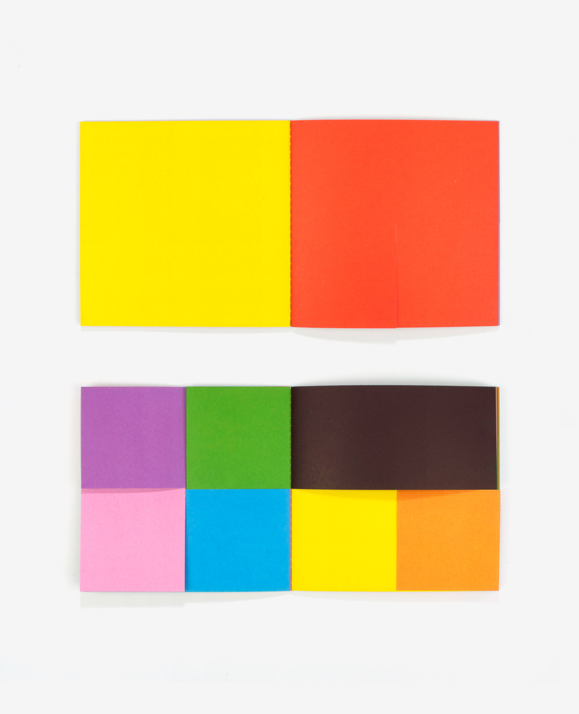 Multi colored pages of the book Colors by Antonio Ladrillo published by Éditions du livre