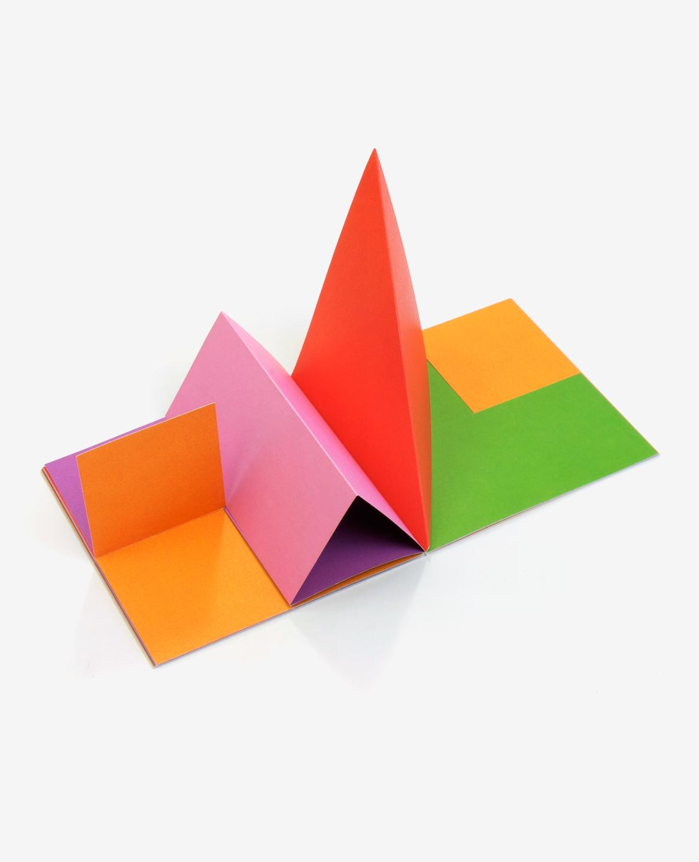 Vue en volume du livre Colors d'Antonio Ladrillo publié aux Éditions du livre