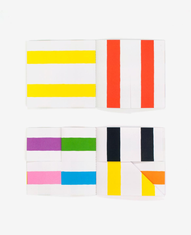 Doubles pages de lignes colorés du livre Lines d'Antonio Ladrillo publié aux Éditions du livre