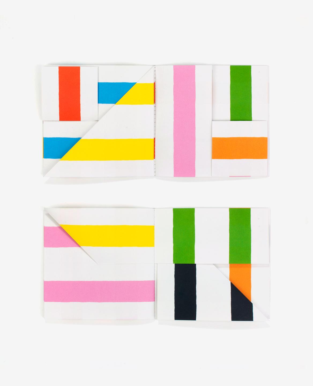 Doubles pages de lignes colorées du livre Lines d'Antonio Ladrillo publié aux Éditions du livre